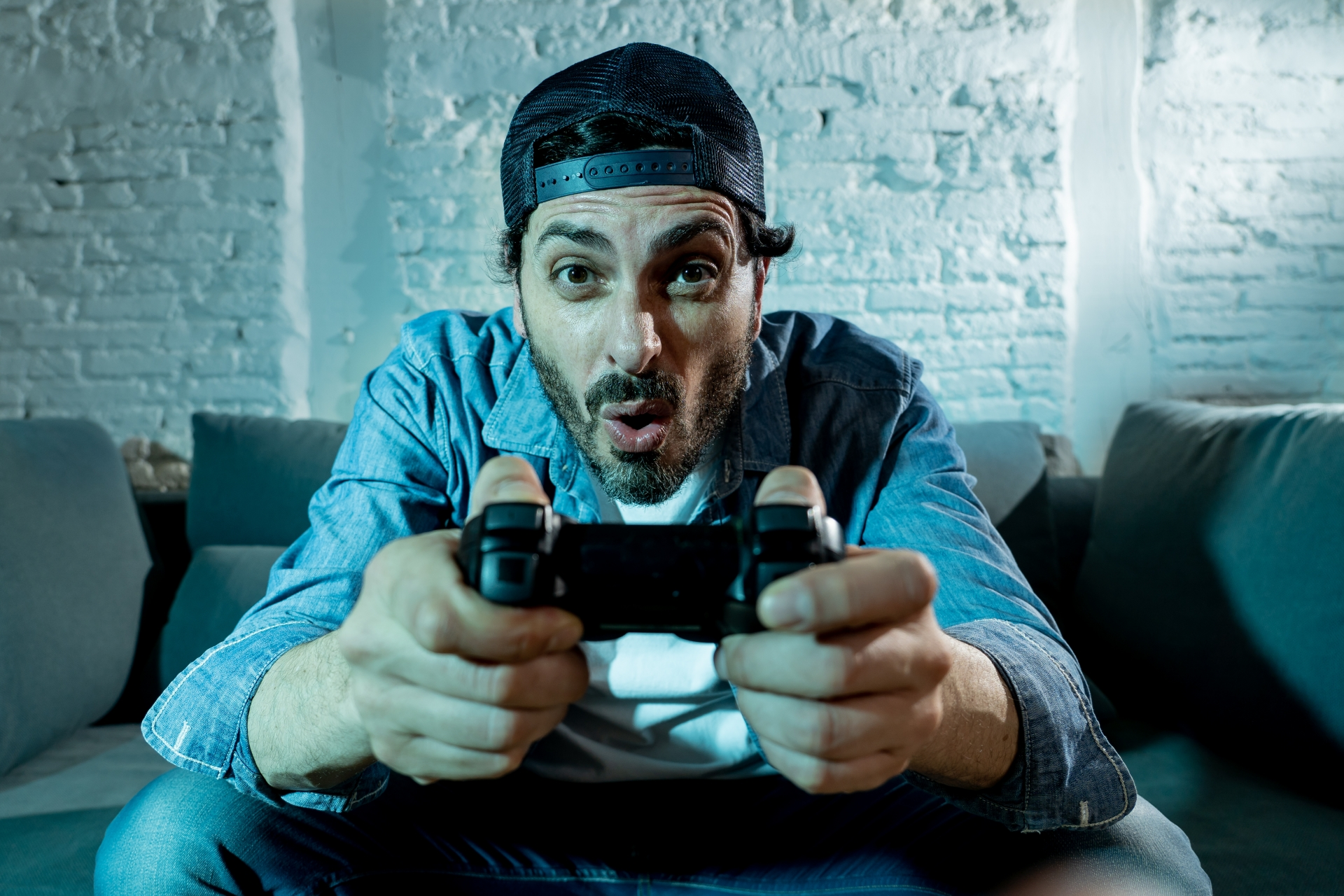 HYPE or REALITY? The demise of guys: Stanford professor claims video games and online porn will lead to the extinction of men - Free Teens Youth - Changing Minds, Transforming Lives